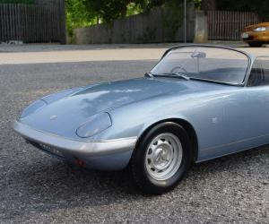 Lotus Elan photo 4