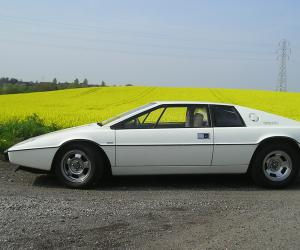 Lotus Esprit photo 11