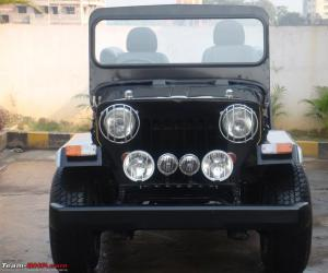 Mahindra CJ photo 3