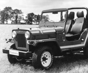 Mahindra CJ photo 4