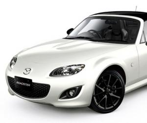 Mazda MX-5 Black & White photo 2