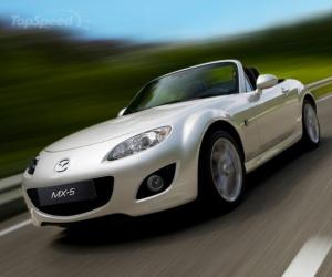 Mazda MX-5 Black & White photo 3
