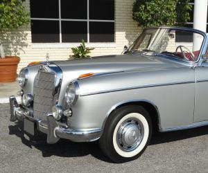Mercedes-Benz 220 photo 5