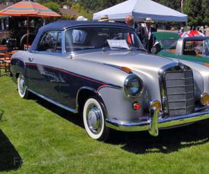 Mercedes-Benz 220 photo 10