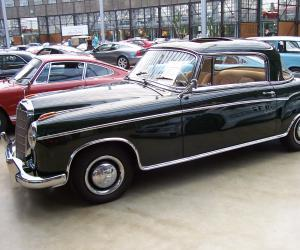 Mercedes-Benz 220 SE Coupé photo 3