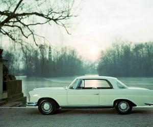 Mercedes-Benz 220 SEb Coupé photo 1
