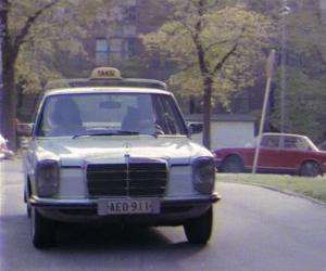 Mercedes-Benz 240 D 3.0 photo 1