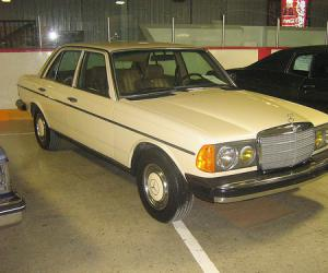 Mercedes-Benz 240 D 3.0 photo 5
