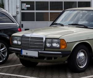 Mercedes-Benz 240 D 3.0 photo 8
