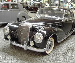 Mercedes-Benz 300 S Coupé photo 2