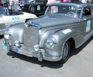 Mercedes-Benz 300 S Coupé photo 8