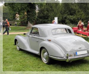 Mercedes-Benz 300 S Coupé photo 15