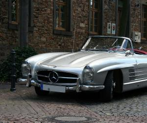 Mercedes-Benz 300 SL Roadster photo 1
