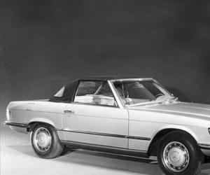 Mercedes-Benz 350 SL photo 6