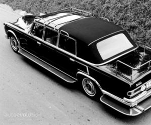 Mercedes-Benz 600 Pullman photo 1