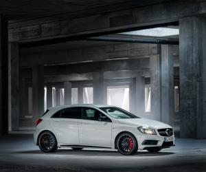 Mercedes-Benz A 45 AMG photo 3
