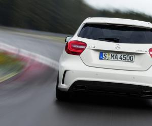 Mercedes-Benz A 45 AMG photo 4