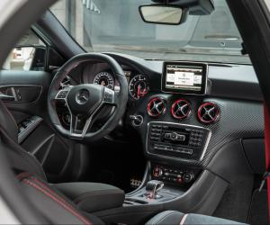 Mercedes-Benz A 45 AMG photo 6