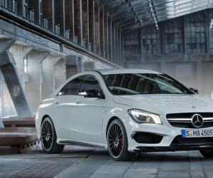 Mercedes-Benz A 45 AMG photo 11