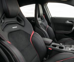 Mercedes-Benz A 45 AMG photo 13