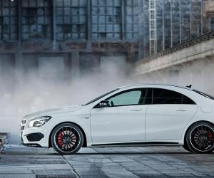 Mercedes-Benz A 45 AMG photo 15