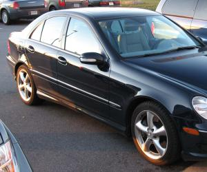 Mercedes-Benz C 230 photo 1