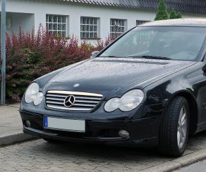 Mercedes-Benz C 230 photo 3