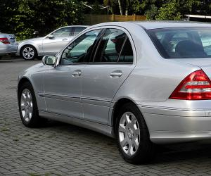Mercedes-Benz C 230 photo 10