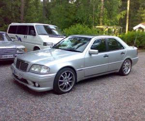 Mercedes-Benz C 230 photo 14
