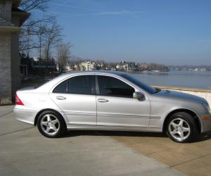 Mercedes-Benz C 240 photo 5
