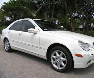 Mercedes-Benz C 240 photo 7