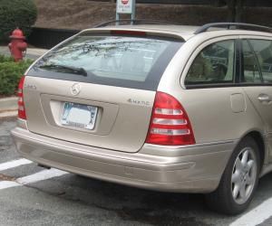 Mercedes-Benz C 240 photo 8