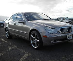 Mercedes-Benz C 240 photo 10