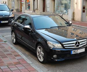 Mercedes-Benz C 320 CDI photo 2