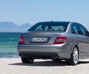 Mercedes-Benz C 320 CDI photo 8