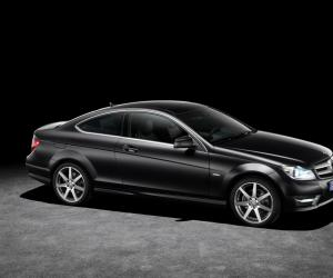 Mercedes-Benz C Coupe photo 3