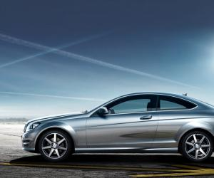 Mercedes-Benz C Coupe photo 11
