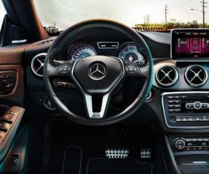 Mercedes-Benz CLA photo 2