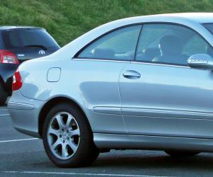 Mercedes-Benz CLK 240 photo 1