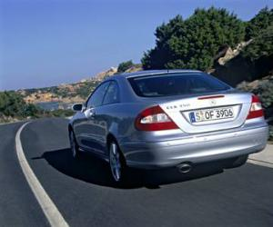Mercedes-Benz CLK 280 photo 9