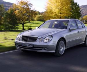 Mercedes-Benz E 200 NGT photo 1