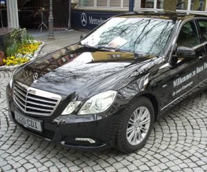 Mercedes-Benz E 220 photo 1