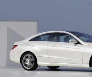 Mercedes-Benz E-Klasse Coupe photo 13