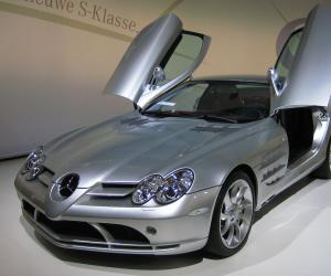 Mercedes-Benz SLR photo 1