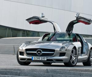 Mercedes-Benz SLS AMG photo 3
