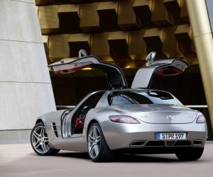 Mercedes-Benz SLS AMG photo 5