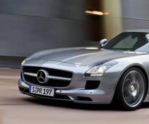 Mercedes-Benz SLS AMG photo 10