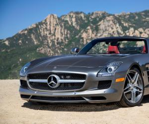 Mercedes-Benz SLS AMG Roadster photo 2