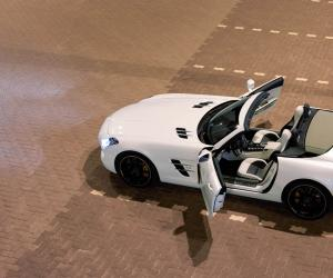 Mercedes-Benz SLS AMG Roadster photo 8