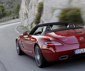 Mercedes-Benz SLS AMG Roadster photo 9